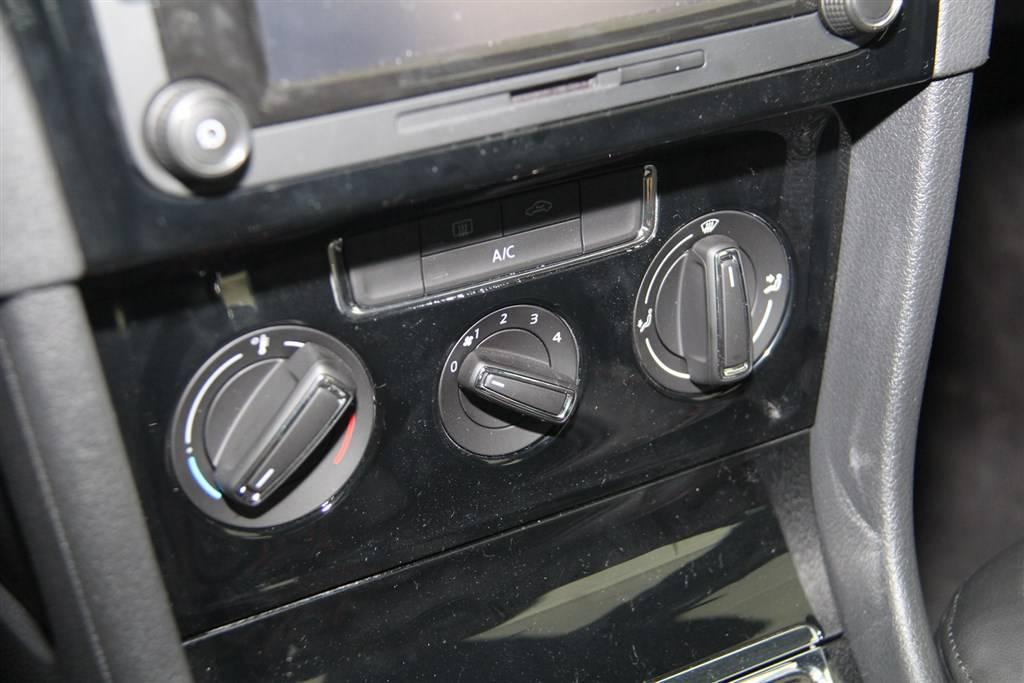 宝来中控台空调控制键